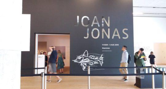 Joan Jonas Eingangsbereich Tate Modern